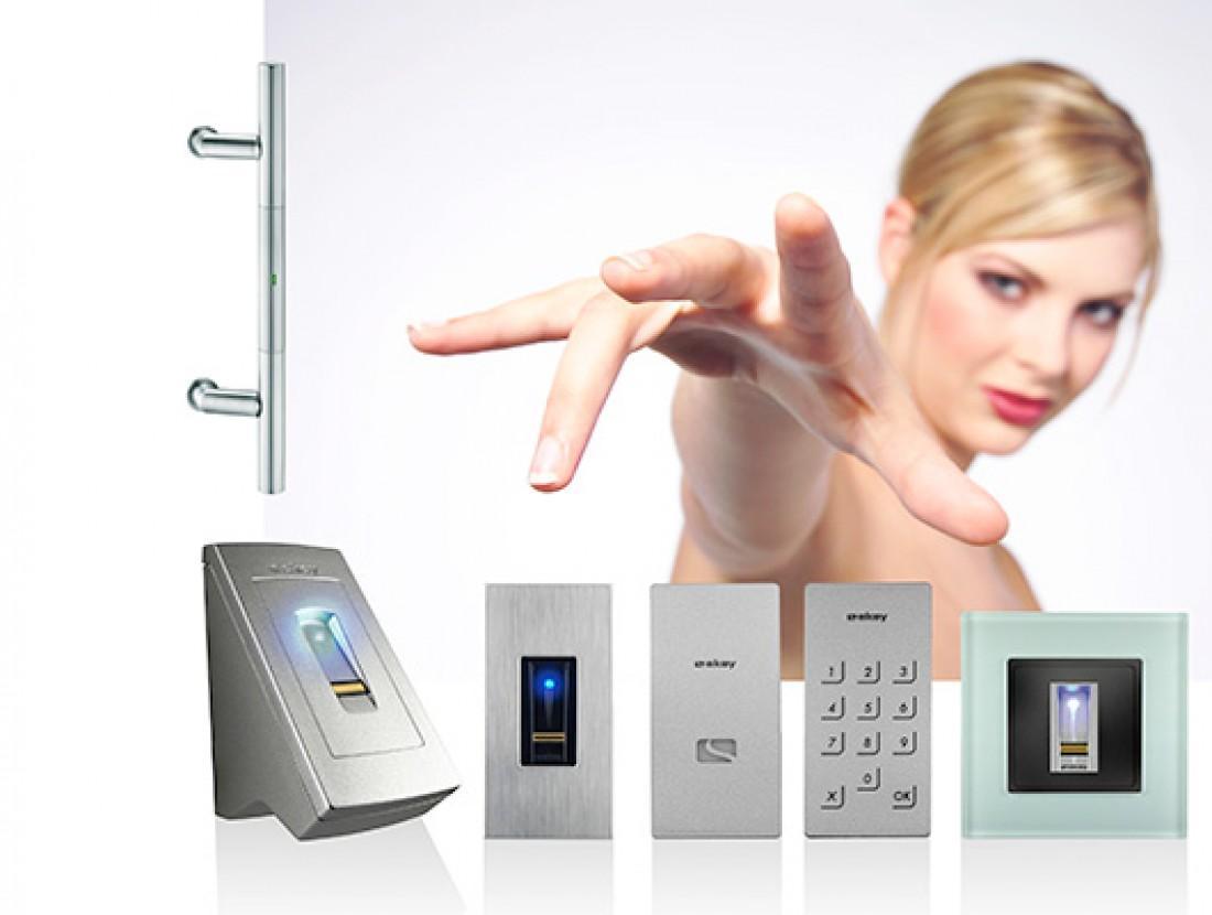 Control de accesos mart nez alarc n for Control de iluminacion domotica