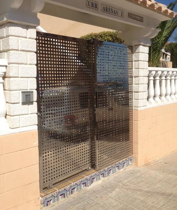 Martínez-Alarcón-puerta-automática-corredera